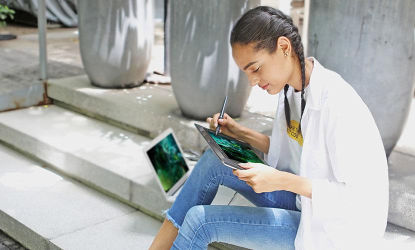 Huion Kamvas Pro 13 GT-133 Drawing Tablet